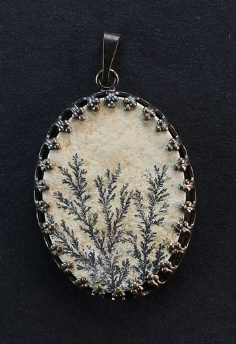 Dendritic Pendant, brown metal setting