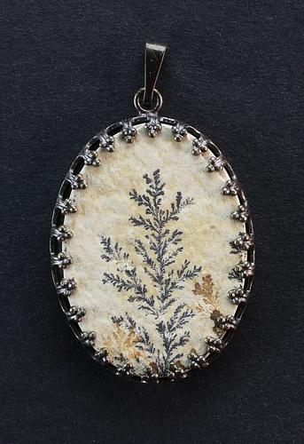 Dendritic Pendant, brown metal setting