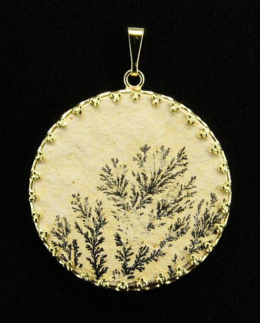 Dendritic Pendant, yellow metal setting