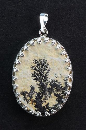 Dendritic Pendant, white metal setting