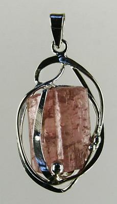 Turmalín červený - rubelit, ornamentální galvanika stříbřená