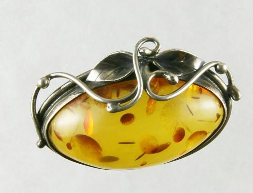 Jantar - brož, stříbro 925