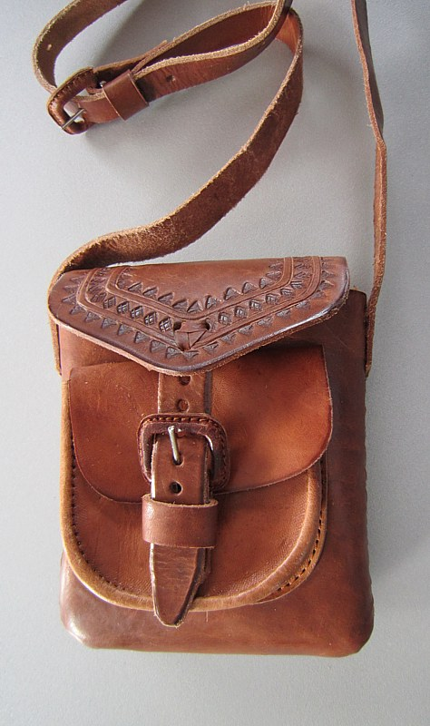 Small leather bag with front pocket