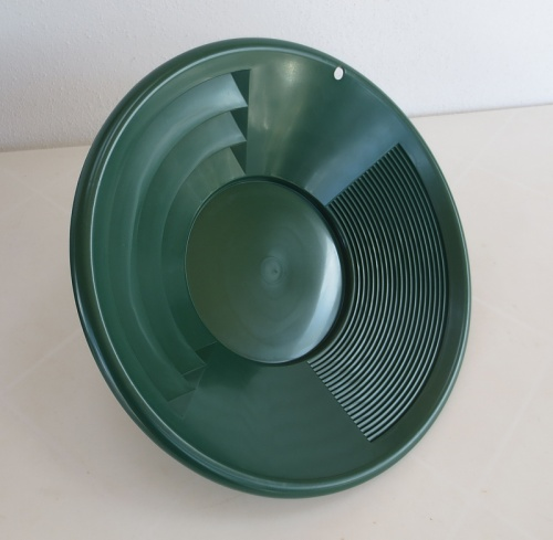 Plastic Gold Pan, green, 30 cm