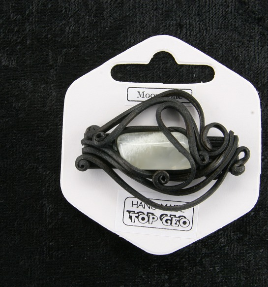 Lederlite brooch adular