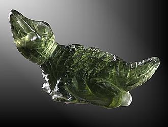 Moldavit, Krokodil, gebohrt 2,5 mm