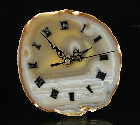 Uhr aus Achat-Scheibe